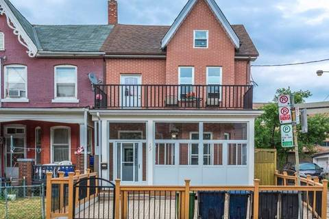 Townhouse for rent at    Toronto Ontario - MLS: C4464140