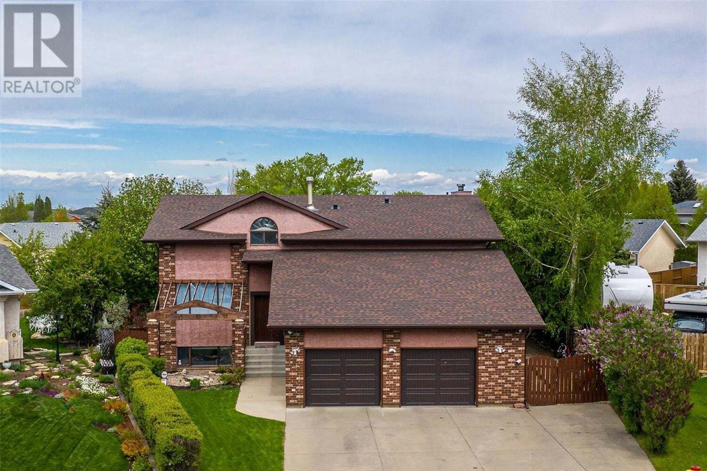 House for sale at 402 Coben Cres Unit CRESCENT Saskatoon Saskatchewan - MLS: SK819735
