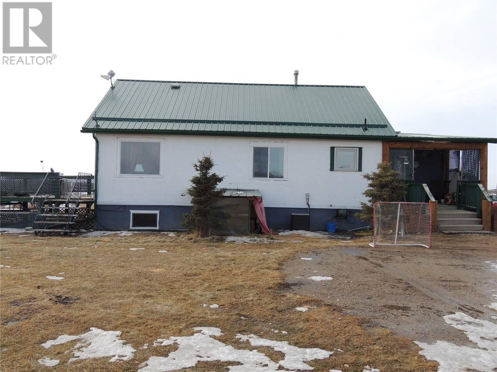 House for sale at  Durr Acreage  Estevan Rm No. 5 Saskatchewan - MLS: SK800889