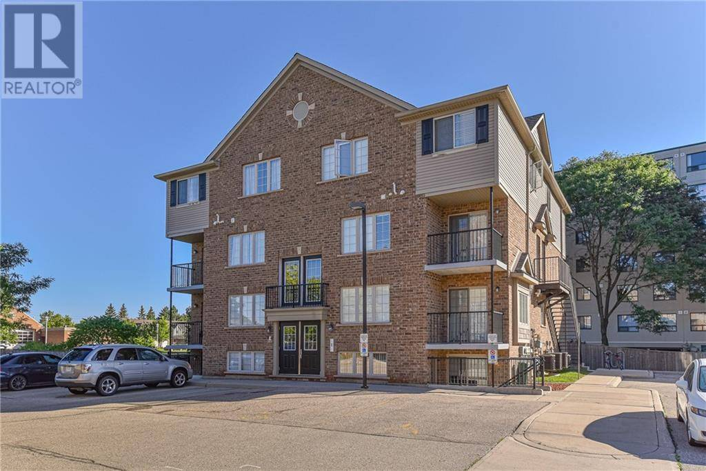 Townhouse for sale at 12 Holborn Dr Unit E34 Kitchener Ontario - MLS: 30766622