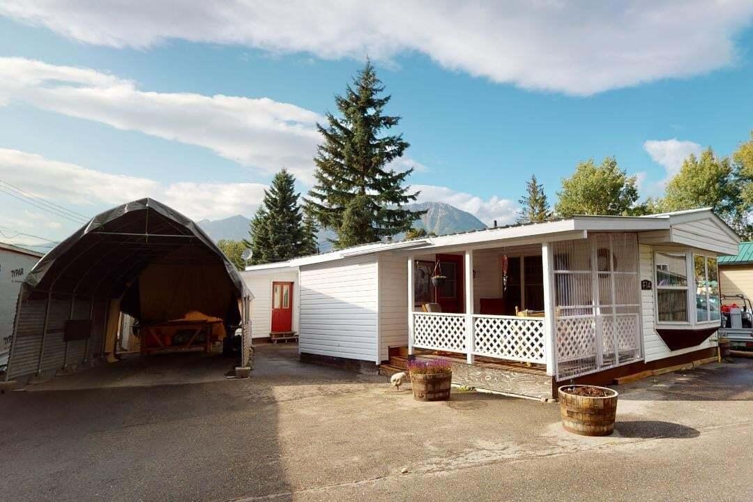 Home for sale at 60 Cokato Road Rd Unit F14 Fernie British Columbia - MLS: 2454641