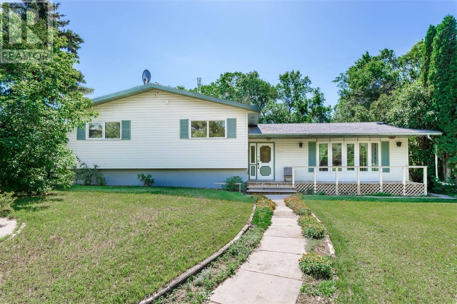 House for sale at  Flory Acreage  Corman Park Rm No. 344 Saskatchewan - MLS: SK781854
