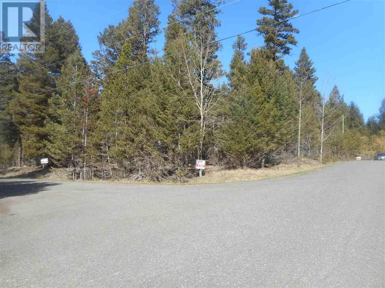 Residential property for sale at  Gloinnzun Dr 108 Mile Ranch British Columbia - MLS: R2452840