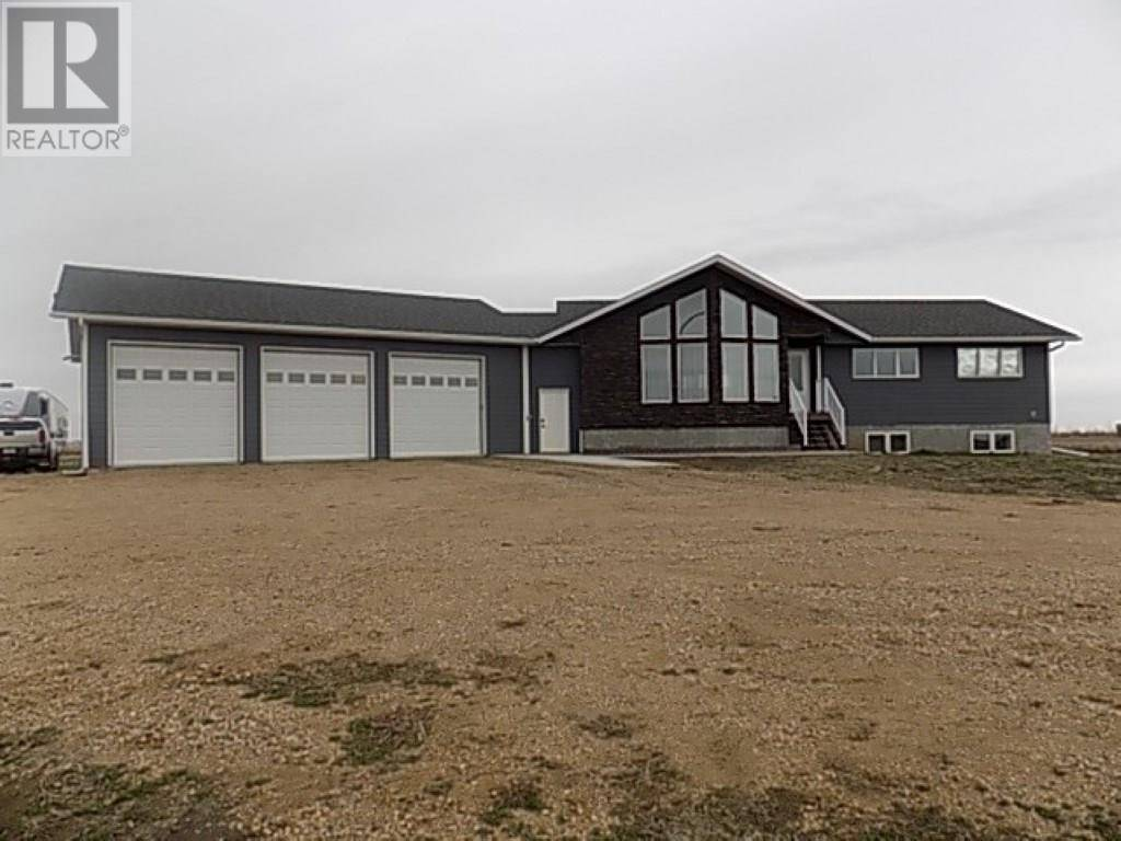 House for sale at  Hein Acreage  Weyburn Rm No. 67 Saskatchewan - MLS: SK797759