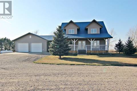 House for sale at  Hueser Acreage  Dundurn Rm No. 314 Saskatchewan - MLS: SK774582