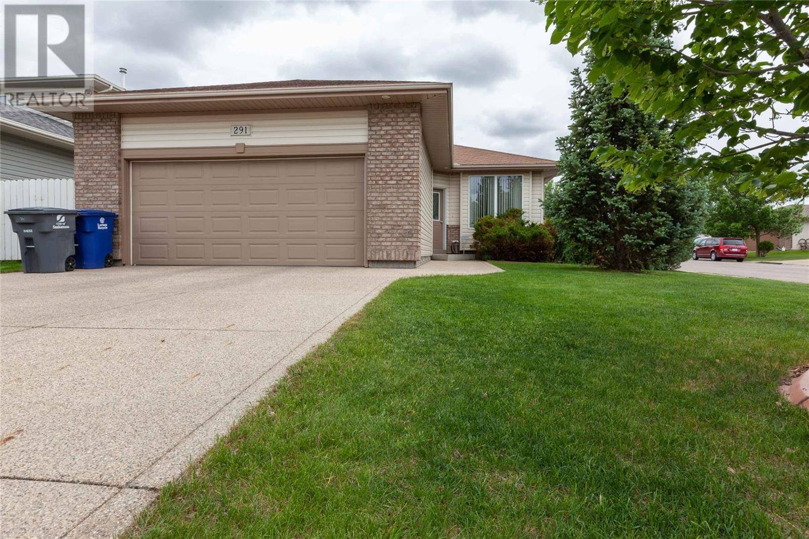House for sale at  Kucey Ter  Saskatoon Saskatchewan - MLS: SK776900