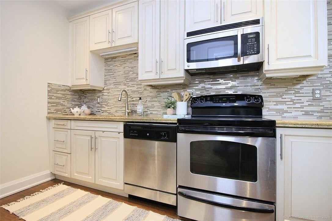 Condo for sale at 86 Herkimer St Unit LL2 Hamilton Ontario - MLS: H4078013