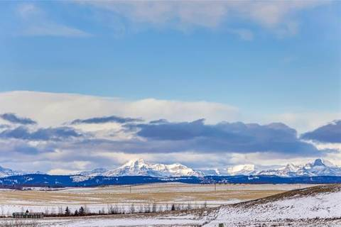 Home for sale at  Lochend Road  Rural Rocky View County Alberta - MLS: C4283436