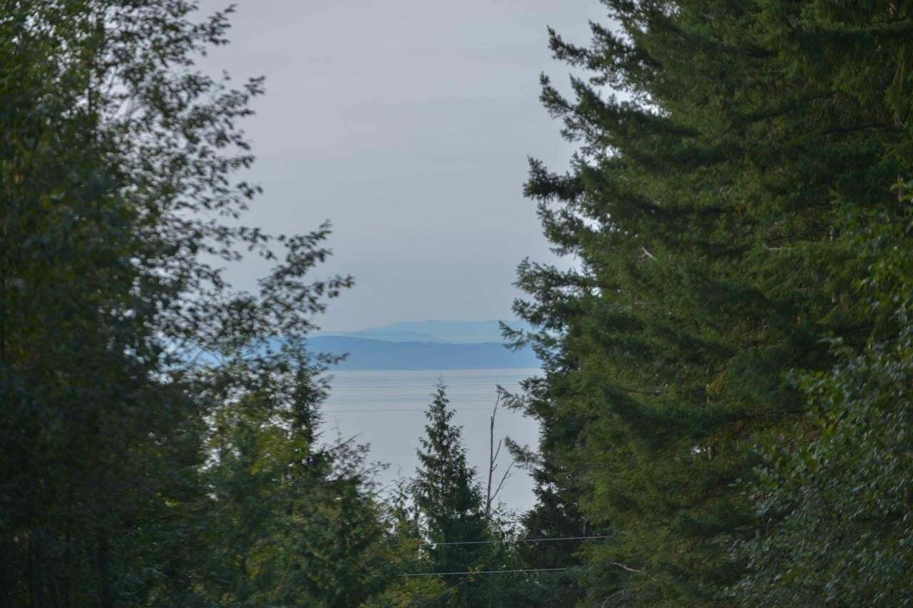 Residential property for sale at Lot 1 Firburn Rd Roberts Creek British Columbia - MLS: R2504406