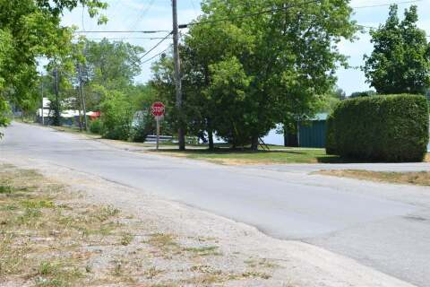 Residential property for sale at Lot 2 Front & West St Kawartha Lakes Ontario - MLS: X4809445