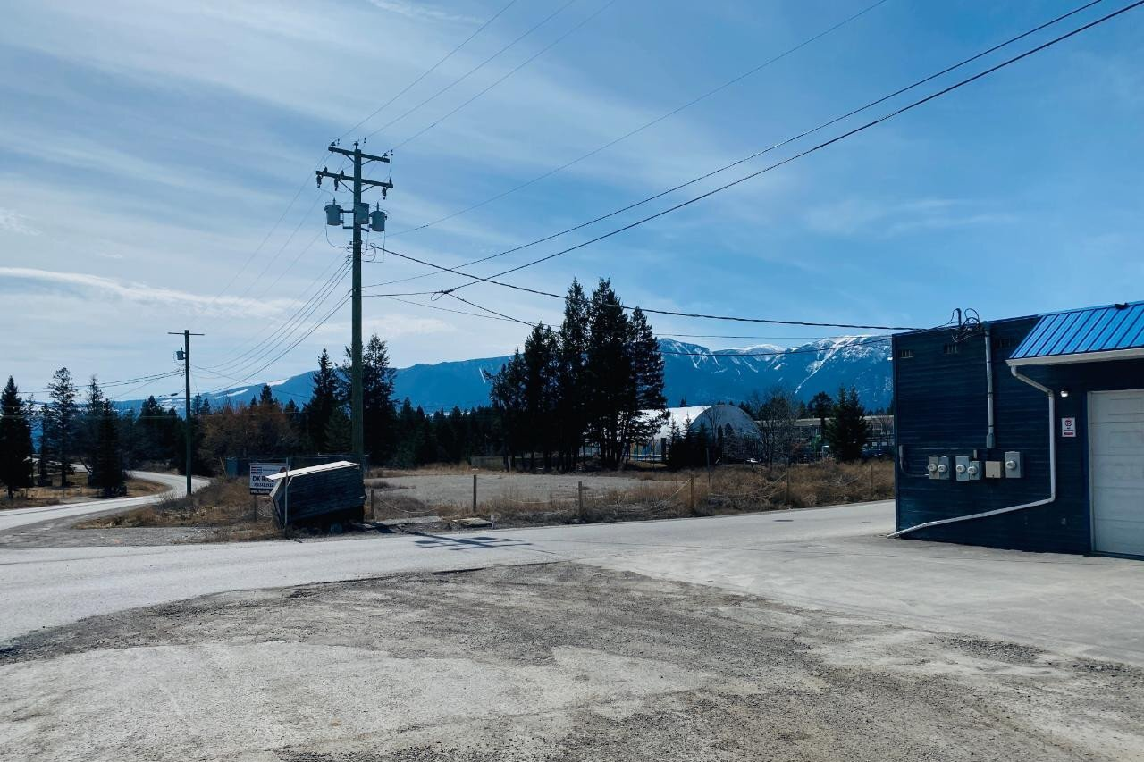 Residential property for sale at 2 Sarah Rd Unit LOT Windermere British Columbia - MLS: 2455724