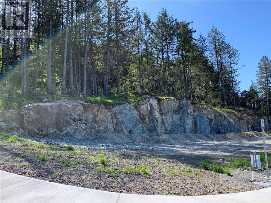 Home for sale at  Lone Oak Pl Unit Lot 25 Victoria British Columbia - MLS: 410825