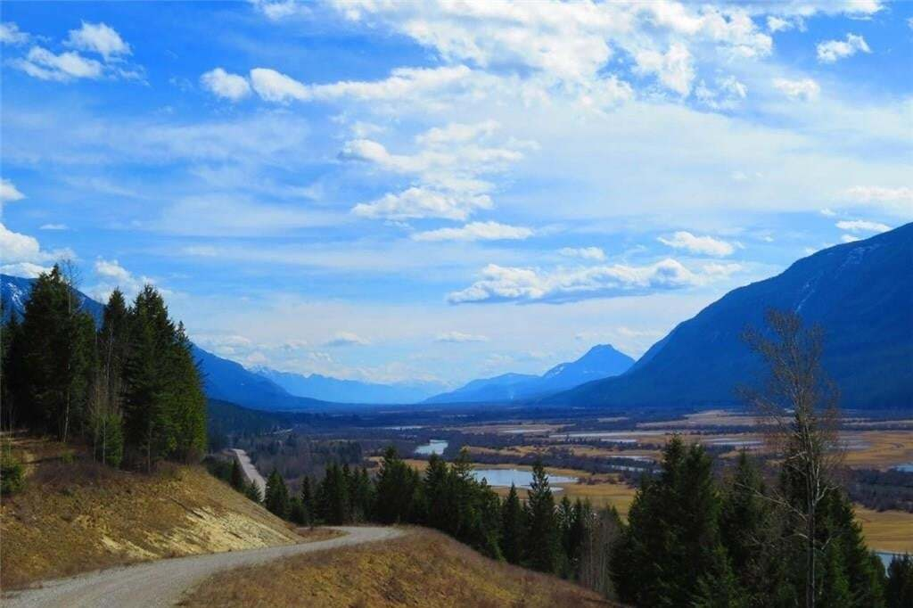 Residential property for sale at Lot 8 Castledale Heights  Golden British Columbia - MLS: 2427194
