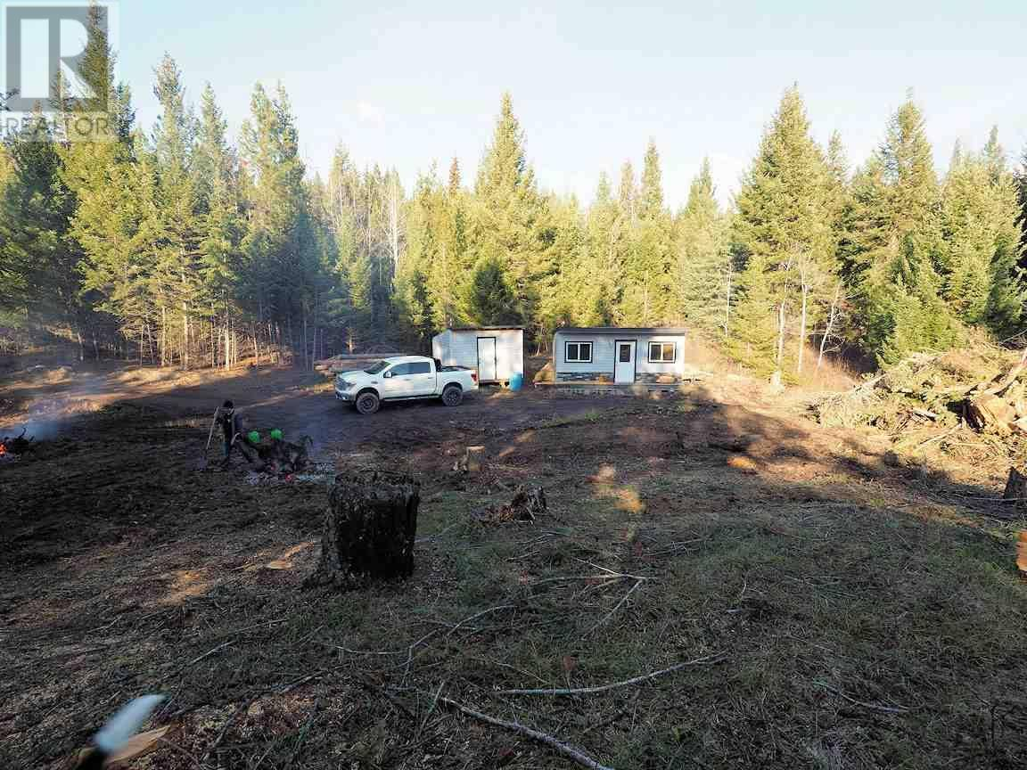 Home for sale at  Park Pl E Unit Lot Lac La Hache British Columbia - MLS: R2415507