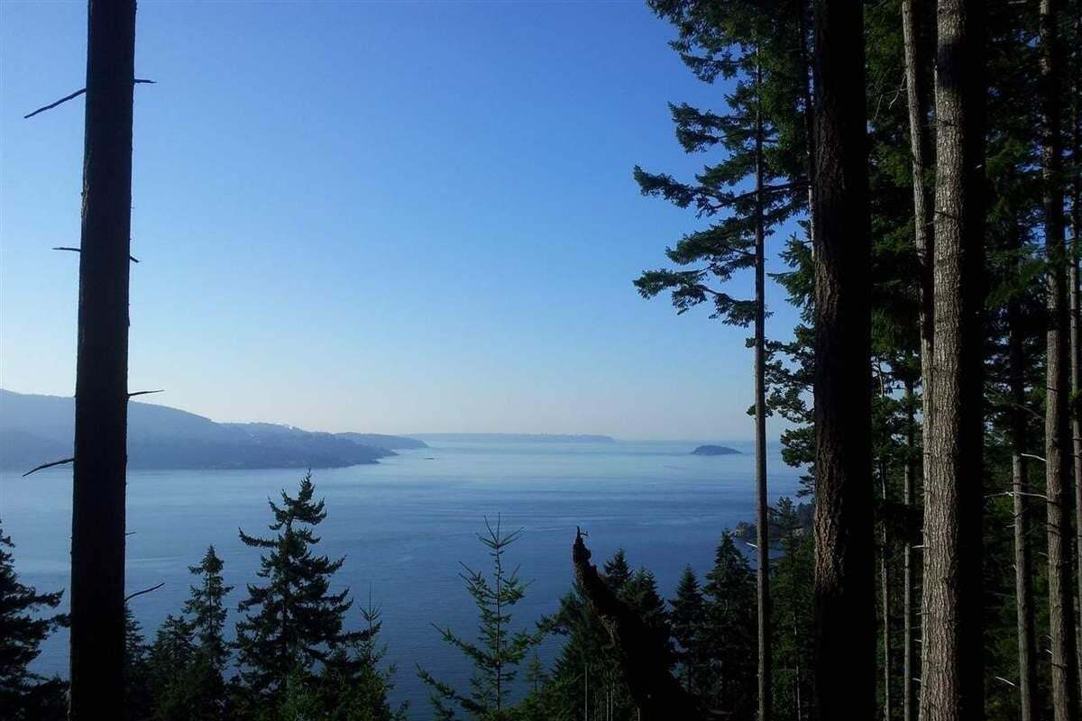 Residential property for sale at Lot P Eagle Cliff Rd Bowen Island British Columbia - MLS: R2502520