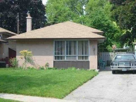 House for rent at 18 Stoney Creek Dr Unit Lower Toronto Ontario - MLS: E4686882