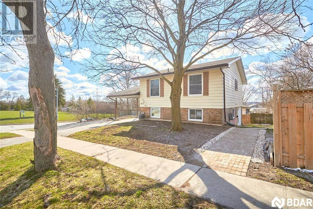House for rent at 19 Collete Cres Unit Lower Barrie Ontario - MLS: 30803301
