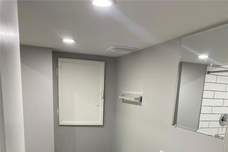 Apartment for rent at 69 Victoria Ave N Unit LOWER Hamilton Ontario - MLS: H4093870