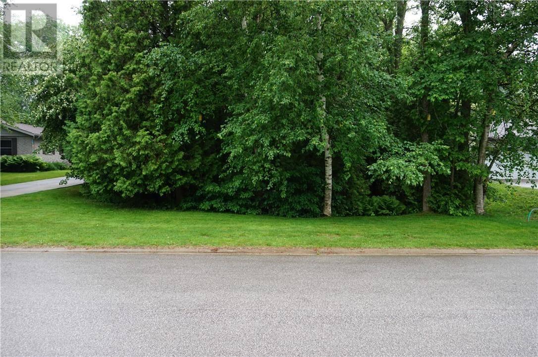 Home for sale at 8 Tyendinaga Dr Unit Lt Southampton Ontario - MLS: 205520