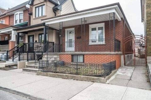 House for rent at 113 Lappin Ave Unit Main Toronto Ontario - MLS: W4957683