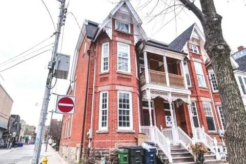 Townhouse for rent at 14 Soho St Unit Main Toronto Ontario - MLS: C4792442
