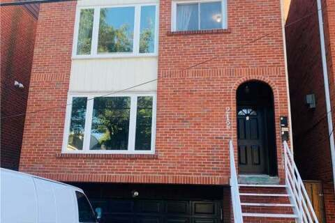 Townhouse for rent at 212 Milan St Unit Main Toronto Ontario - MLS: C4925595