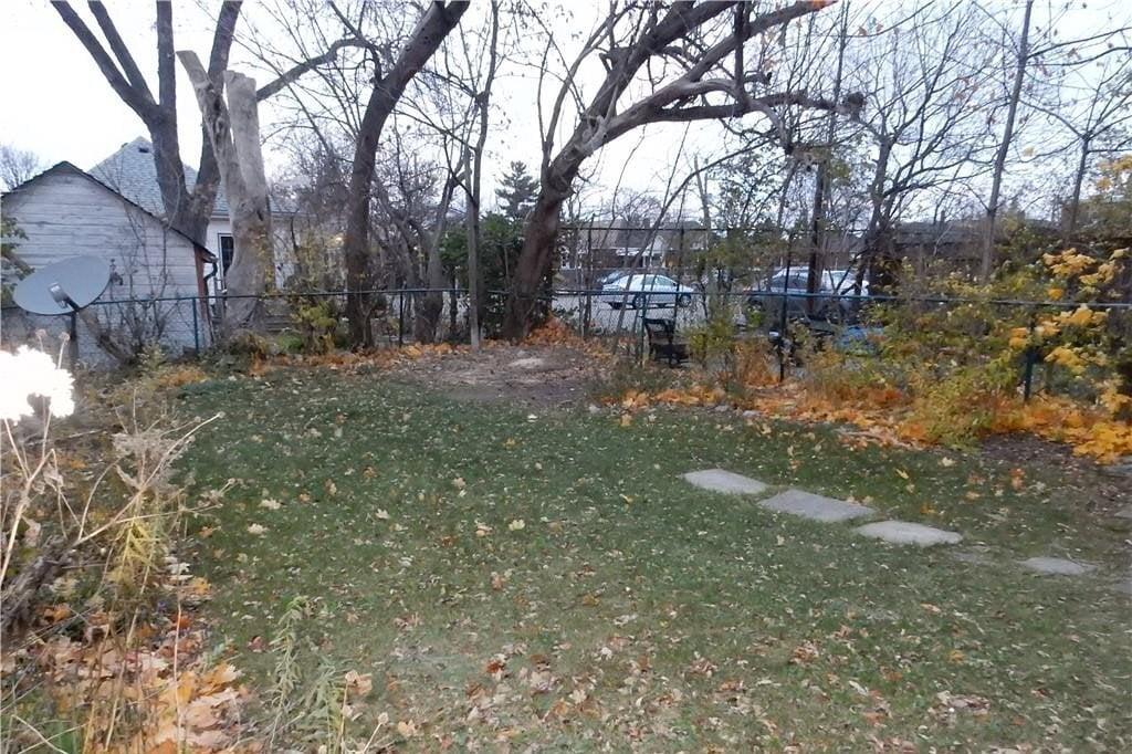 Apartment for rent at 252 Homewood Ave Unit MAIN Hamilton Ontario - MLS: H4092038