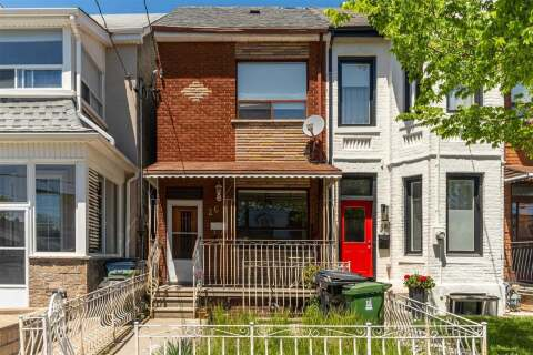 Townhouse for rent at 26 Gordon St Unit Main Toronto Ontario - MLS: C4781758