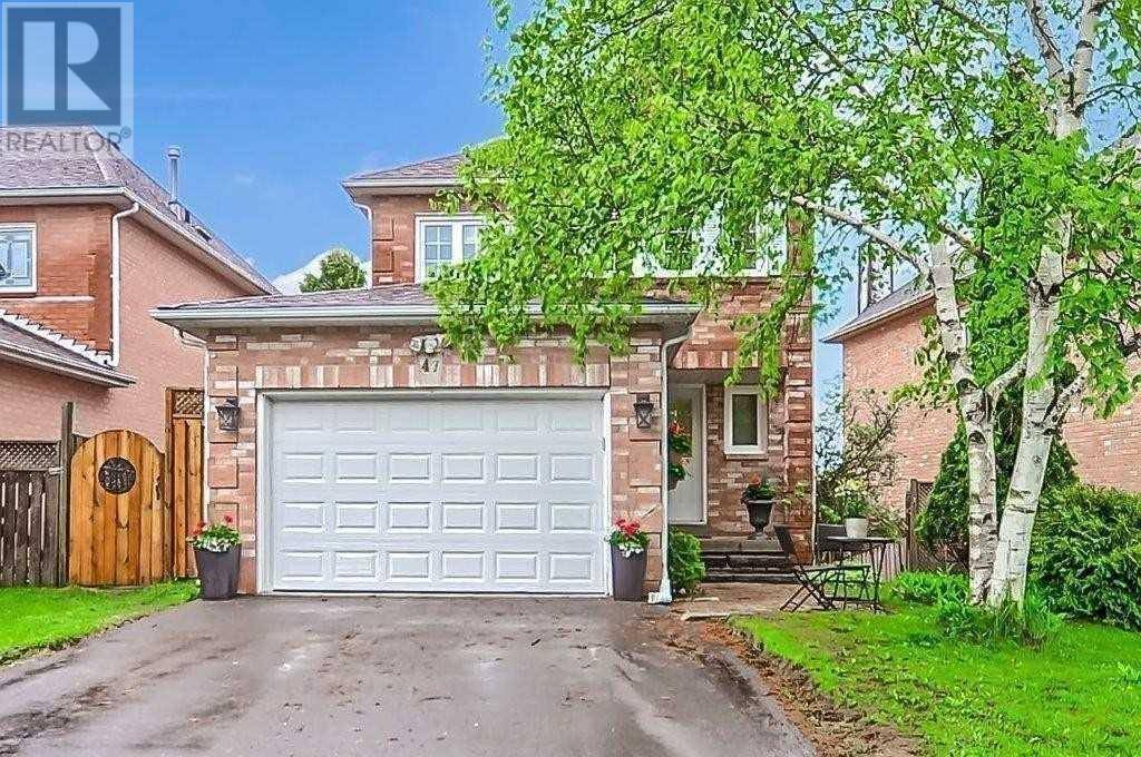 House for rent at 47 Chiswick Cres Unit Main Aurora Ontario - MLS: N4681339