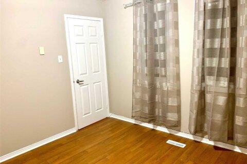 House for rent at 74 Parade Sq Unit Main Toronto Ontario - MLS: E5080397