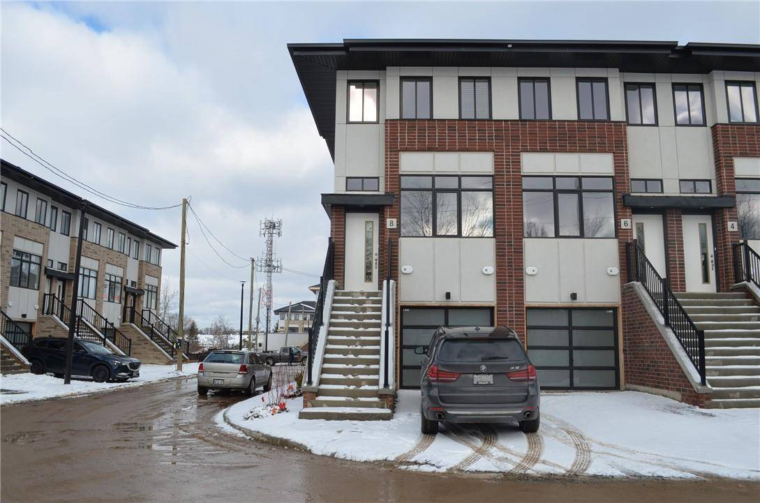 Townhouse for rent at 8 Wilings Ln Unit Main Ancaster Ontario - MLS: H4070090