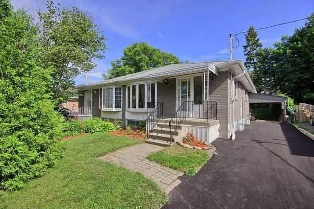 For Rent: 228 Penn Avenue, Newmarket, ON   3 Bed, 2 Bath Townhouse for $1,750. See 13 photos!
