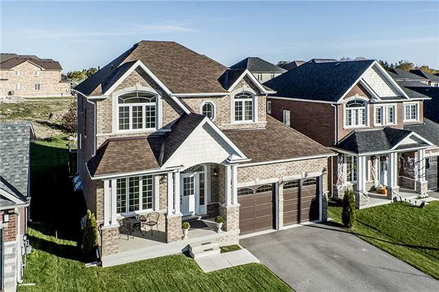 For Sale: N3965238, Innisfil, ON | 4 Bed, 3 Bath House for $780,000. See 11 photos!