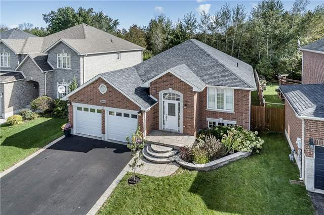 For Sale: N3978500, Innisfil, ON   3 Bed, 3 Bath House for $675,000. See 13 photos!