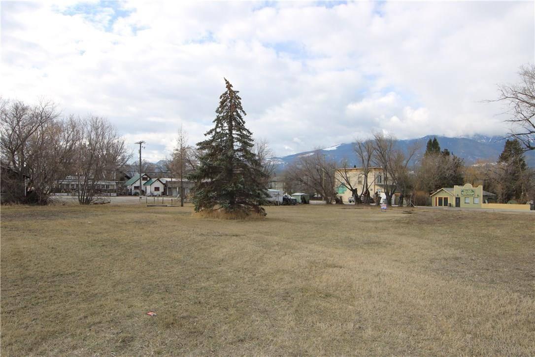 Home for sale at PARCEL E Sinclair Ave Ave E Unit Parcel Windermere British Columbia - MLS: 2435425