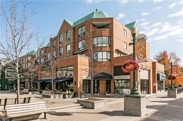 For Sale: Ph 15 - 221 Robinson Street, Oakville, ON   2 Bed, 3 Bath Condo for $1,199,000. See 18 photos!