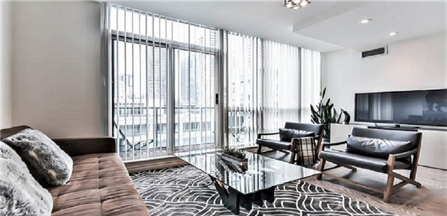 For Sale: Ph 3 - 263 Wellington Street, Toronto, ON | 2 Bed, 1 Bath Condo for $749,000. See 10 photos!