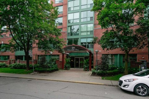 Ph 824 - 95 Prince Arthur Avenue, Toronto | Image 1