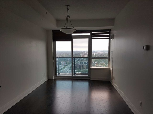For Sale: Ph201 - 7165 Yonge Street, Markham, ON | 1 Bed, 1 Bath Condo for $528,800. See 19 photos!