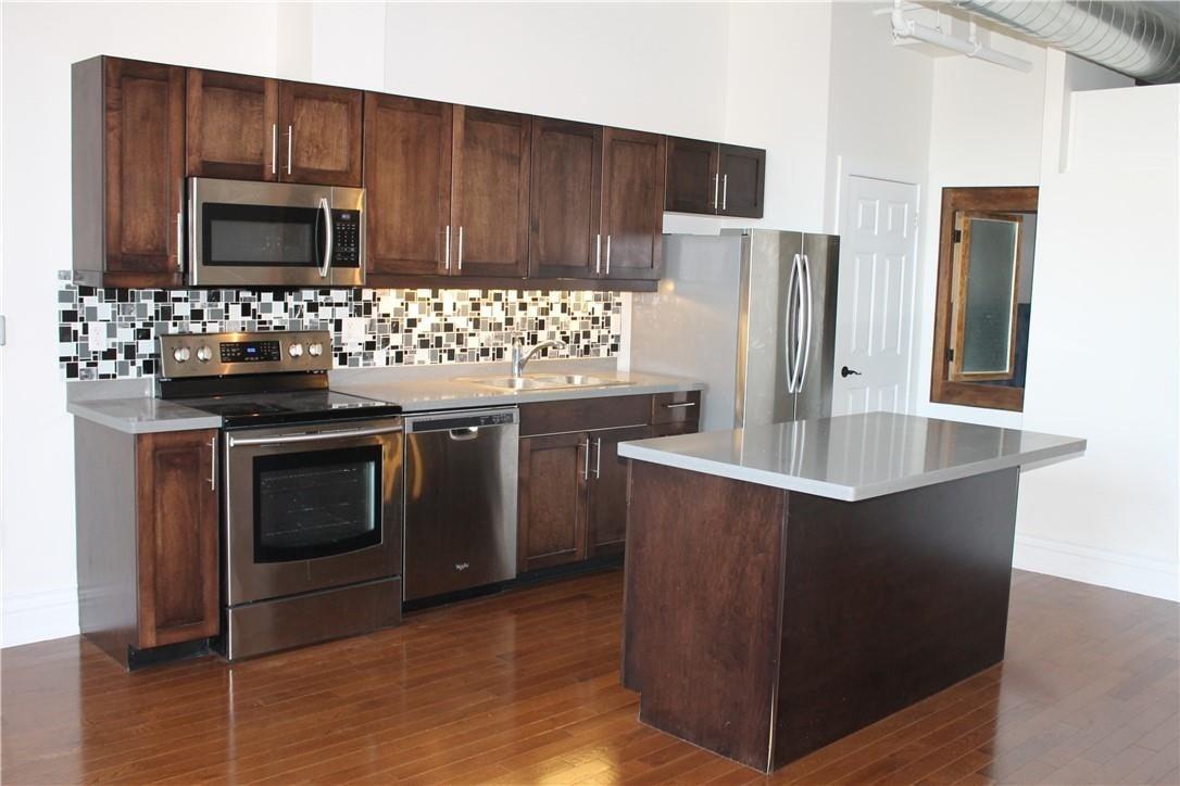 Apartment for rent at 200 Stinson St Unit PH3 Hamilton Ontario - MLS: H4091339