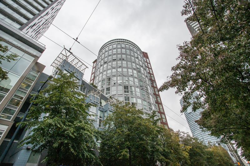 Sold: Ph6 - 933 Seymour Street, Vancouver, BC