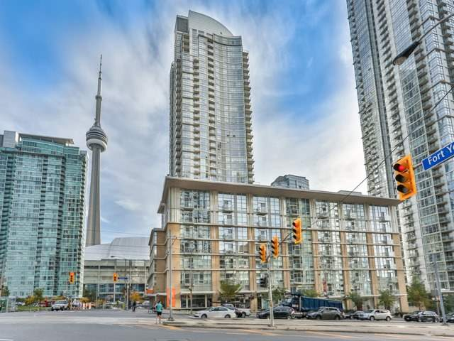 Sold: Ph816 - 9 Spadina Avenue, Toronto, ON