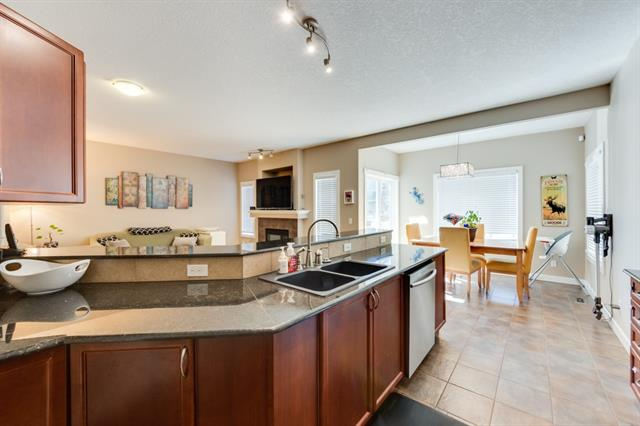 For Sale: 17 Panamount Row Northwest, Calgary, AB | 3 Bed, 2 Bath House for $479,900. See 25 photos!