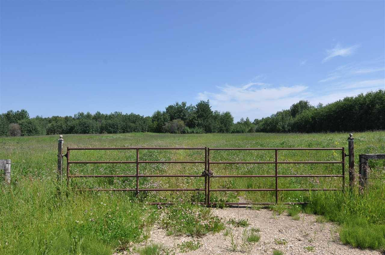 Home for sale at  Rr45 Twp570  Rural Lac Ste. Anne County Alberta - MLS: E4166730