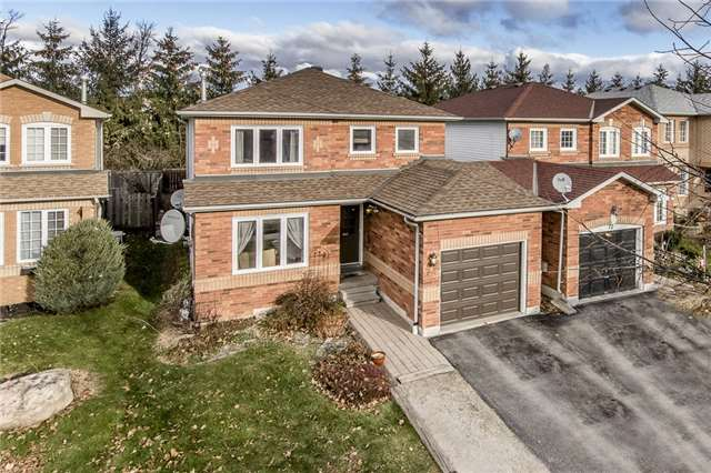 For Sale: S3998085, Barrie, ON | 3 Bed, 4 Bath Home for $494,900. See 10 photos!