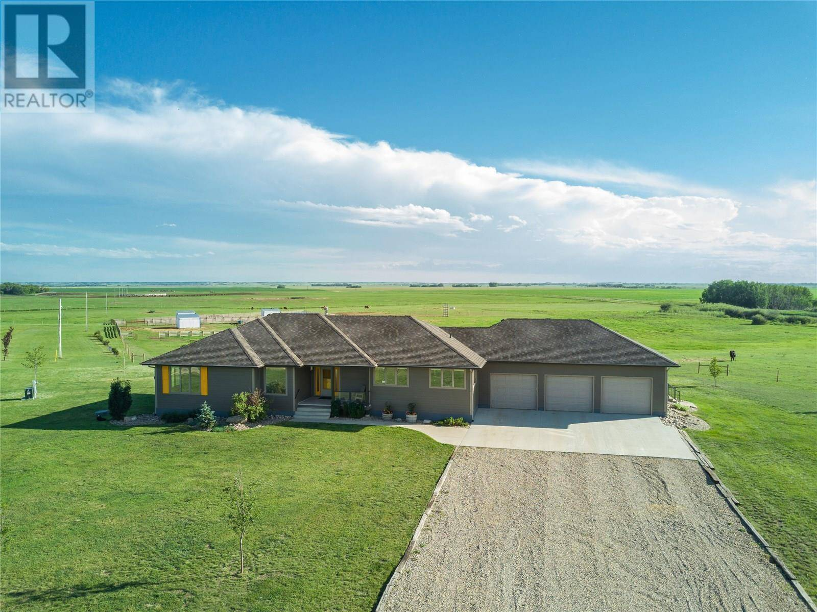 House for sale at  Sazwan Farm  Blucher Rm No. 343 Saskatchewan - MLS: SK779927