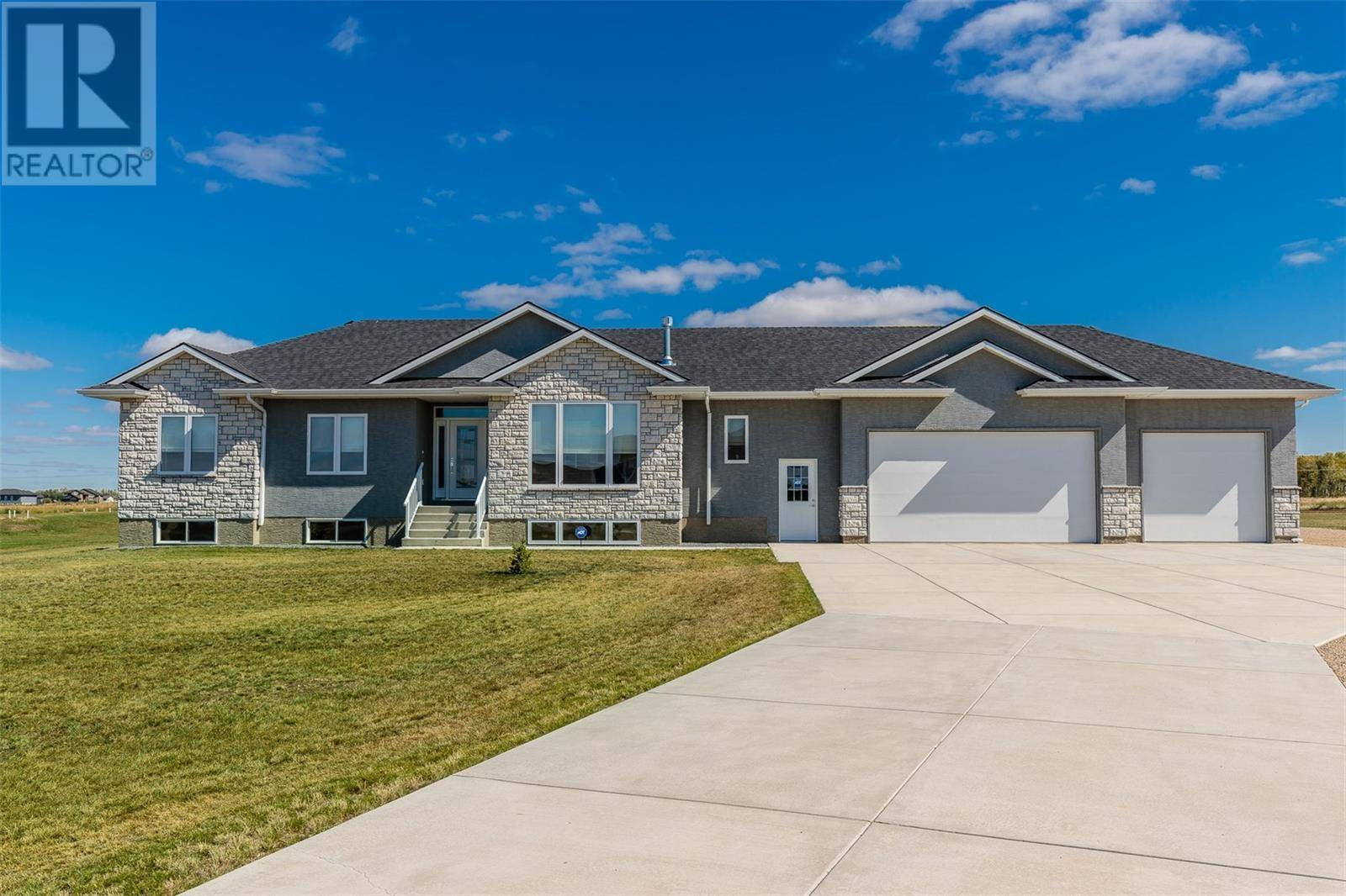 House for sale at  Country Estates South Dundurn Rm No. 314 Saskatchewan - MLS: SK801678