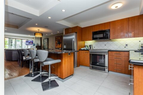 TH16 - 1501 Howe Street, Vancouver   Image 2