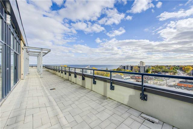 For Sale: Th2 - 11 Superior Avenue, Toronto, ON | 1 Bed, 2 Bath Condo for $499,900. See 20 photos!