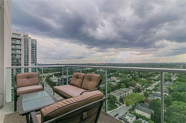Sold: Uph 11 - 1 Avondale Avenue, Toronto, ON